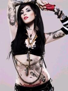 kat von d tatoueuse usa, tatoo, tatouage éphémères, tatouages temporaires, faux tatoos