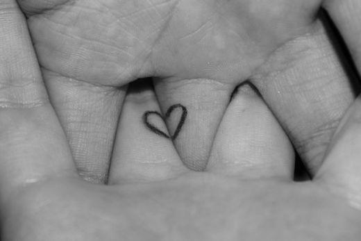 Un Peu D Amour Avec Les Tattoos De Couples Magazine Piercing Et