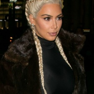 kim kardashion lance la tendance des boxing braids