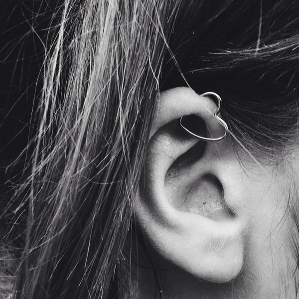 piercing-oreille-et-faux-piercing-tragus-cartilage-diposnible-sur-tarawa-en-acier-chirurgical-couleur-anodisé-doré-rose-titane