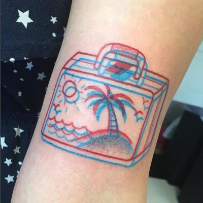 valise voyage avec palmier, ile, soleil, vague, tattoo 3D instagram