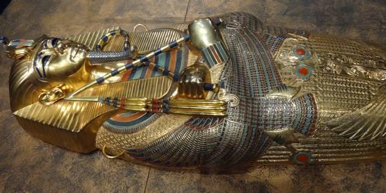 une découverte incroyable en egypte une momie de 3300 ans avec des tatouages