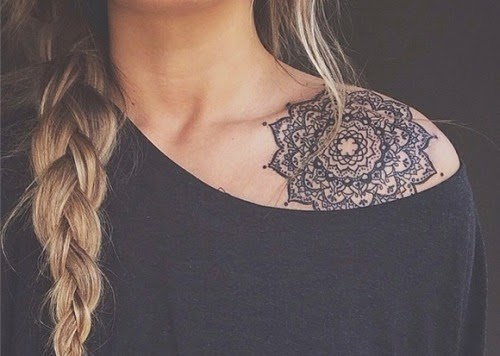 tatouage-épaule-mandala-conseil-pour-entretenir-votre-tattoo