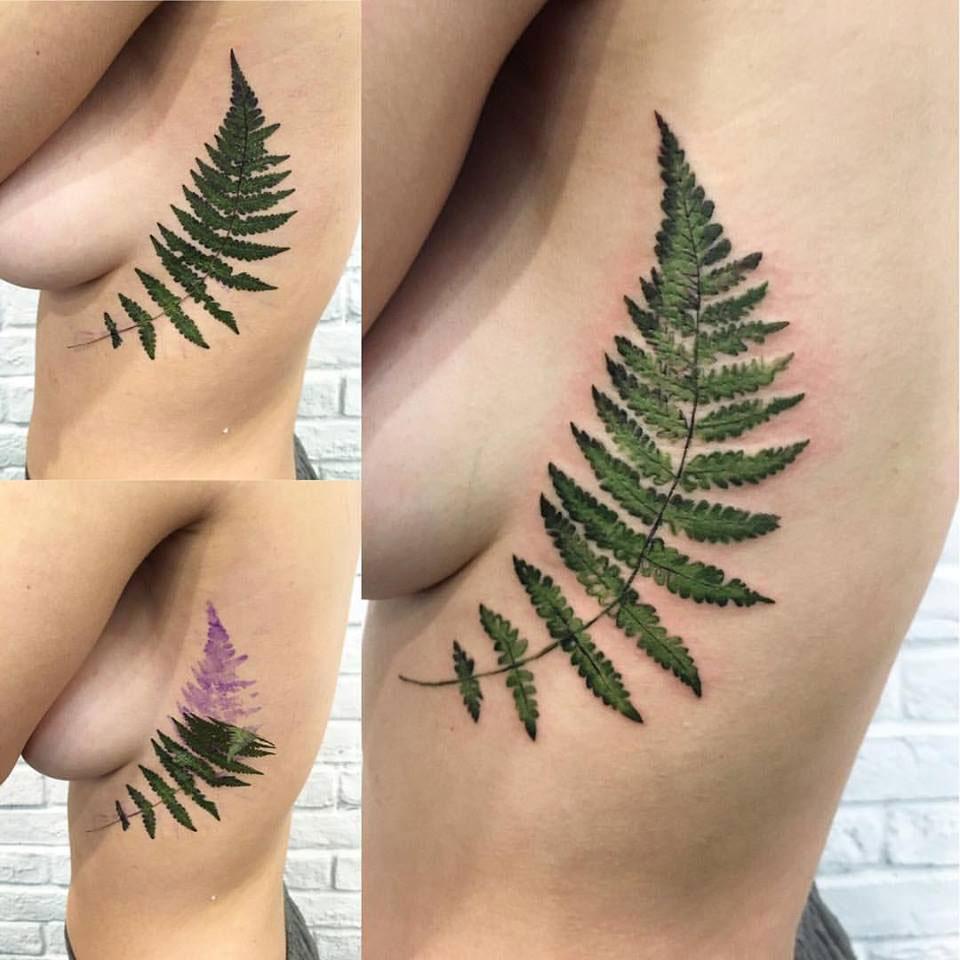 tatouage de feuille réaliste